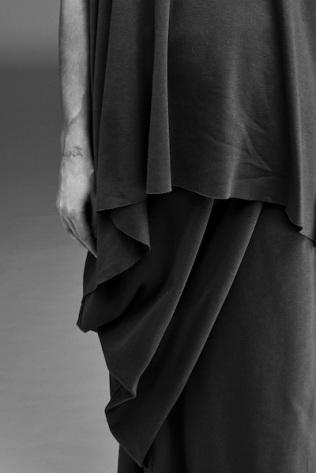 48-Alexandra-Groover-Black-Label-AGB_184-Neuth-Top-AGB-192-Single-Petal-Pencil-Skirt